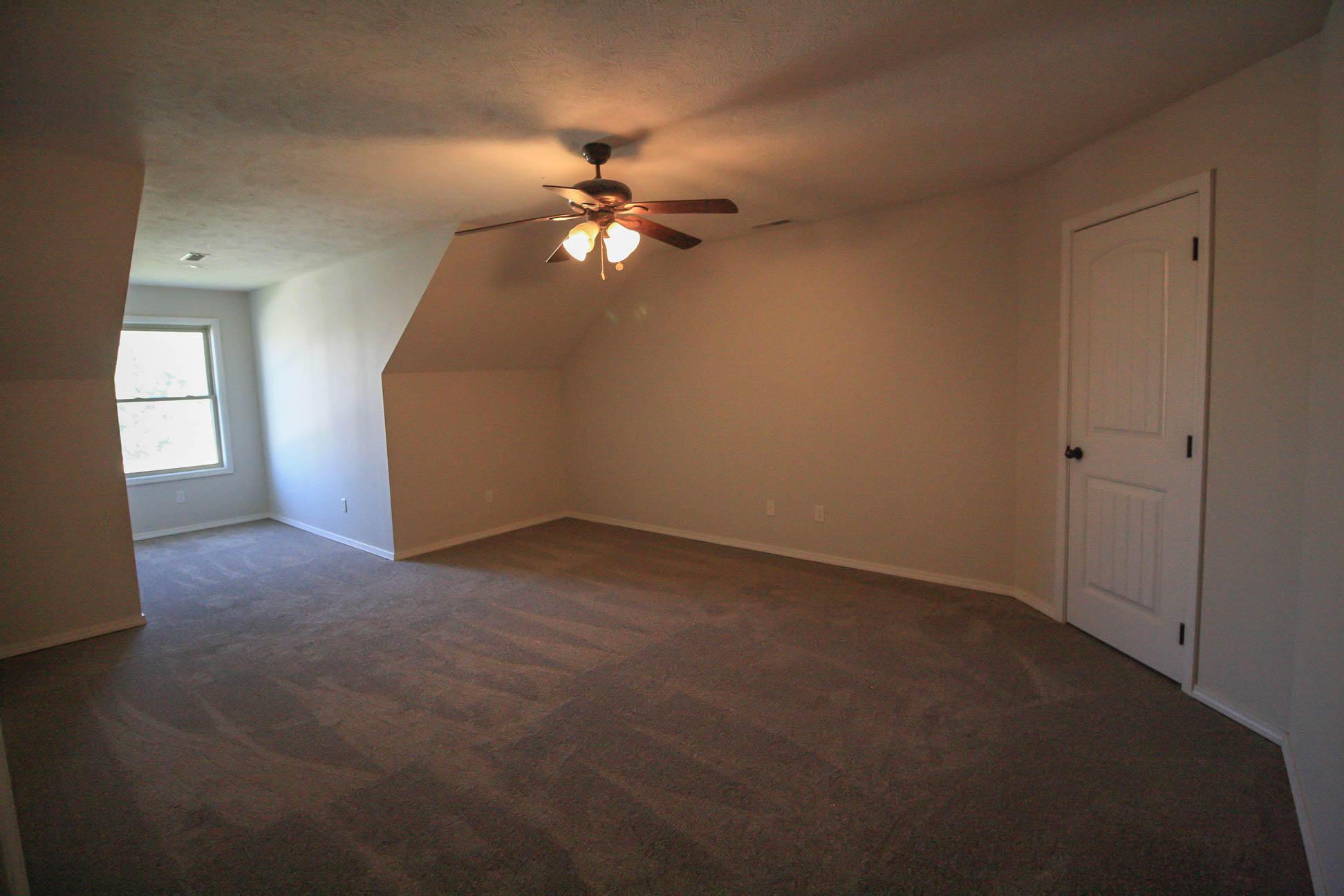 205 Sparrow Lane Willard, MO 65781