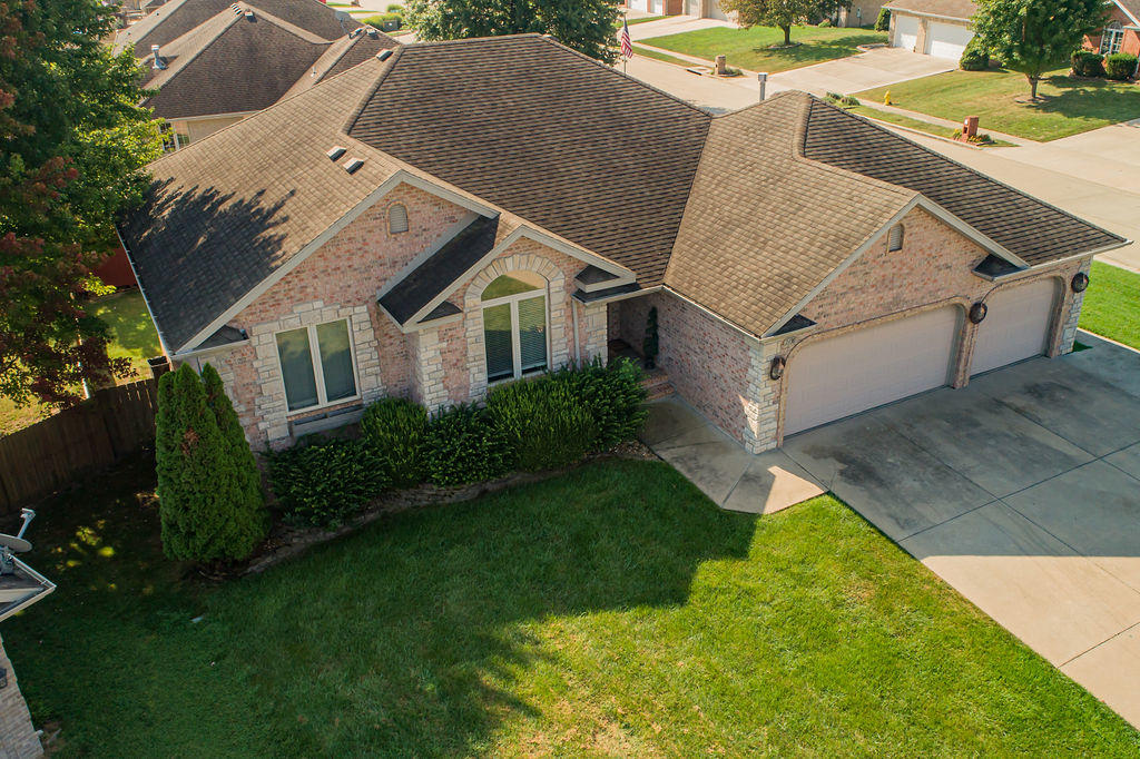 2430 South Driftwood Court Springfield, MO 65807