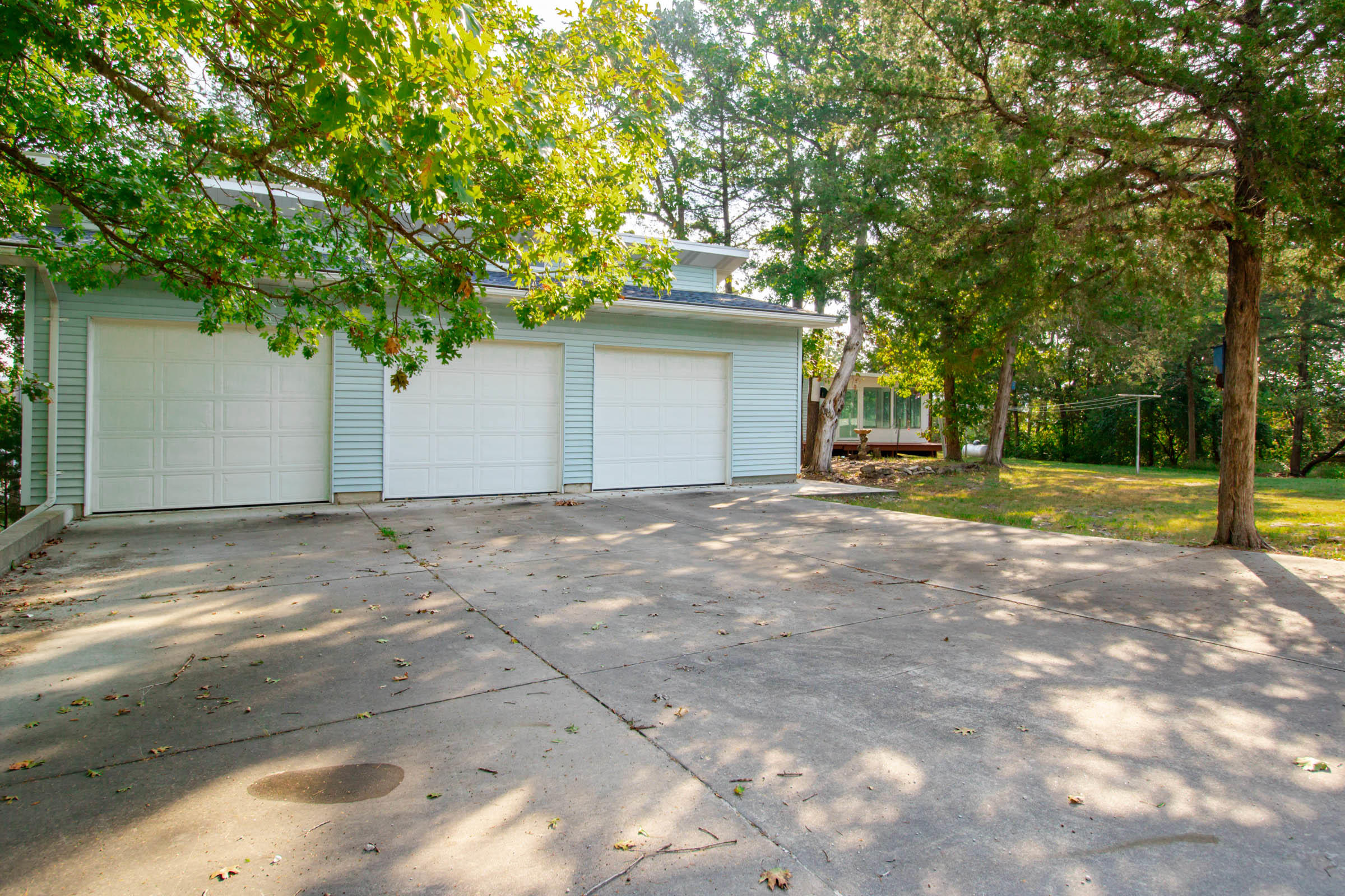 569 Lakewood Drive Hollister, MO 65672