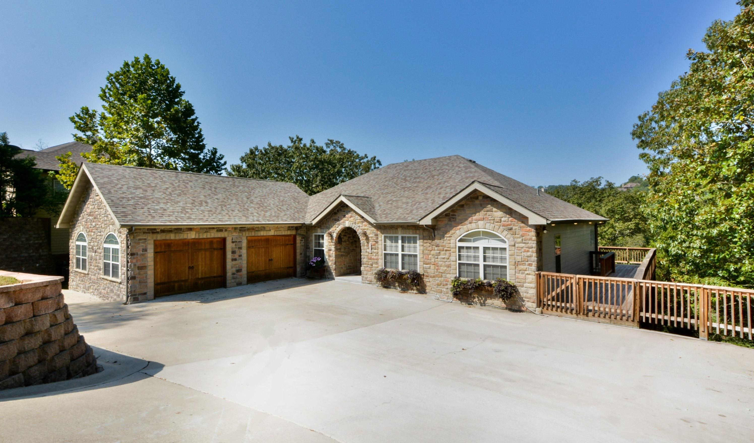 1320 Stoneycreek Lane Branson West, MO 65737