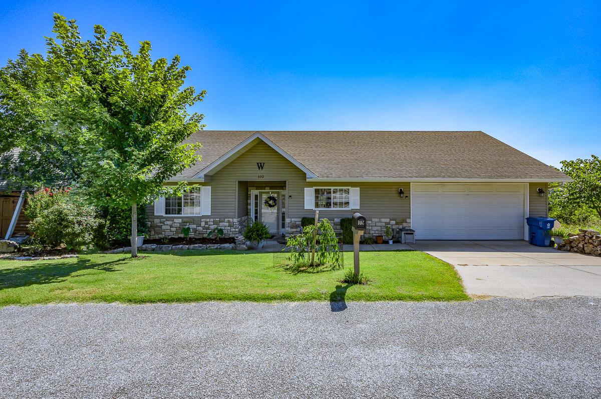102 Redwood Lane Branson, MO 65616
