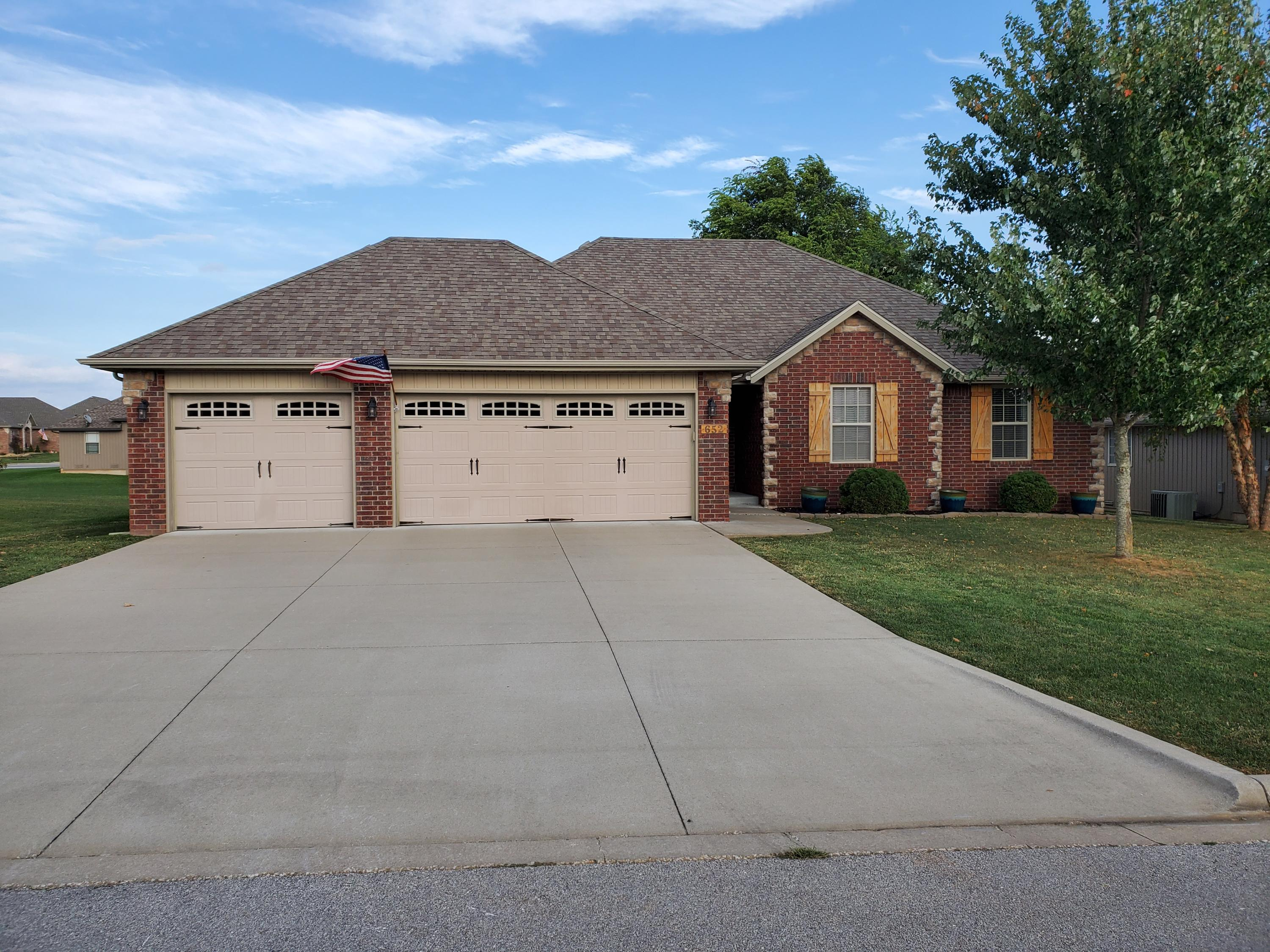 652 North Rockingham Avenue Nixa, MO 65714