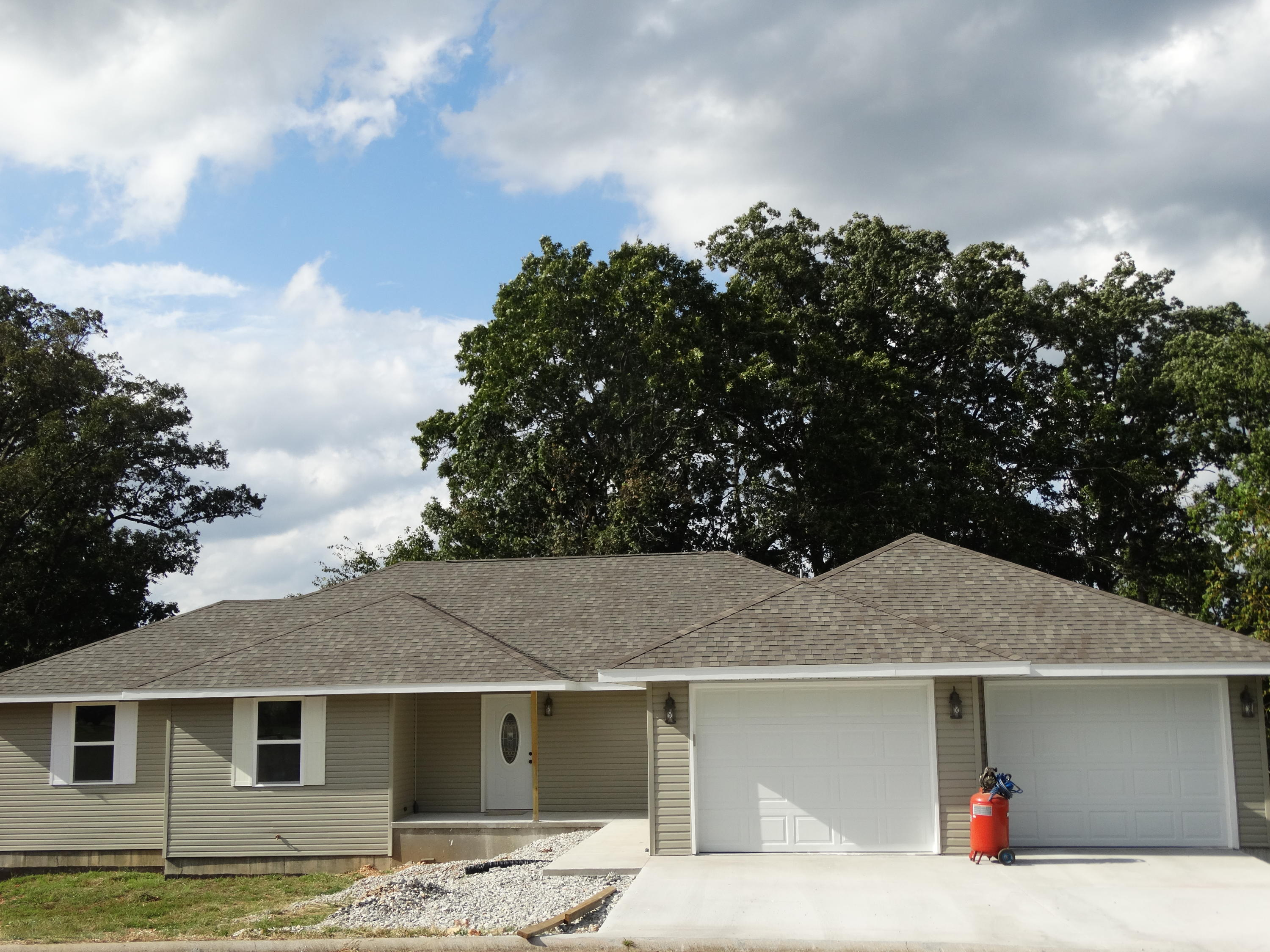 261 Neals Trail Reeds Spring, MO 65737