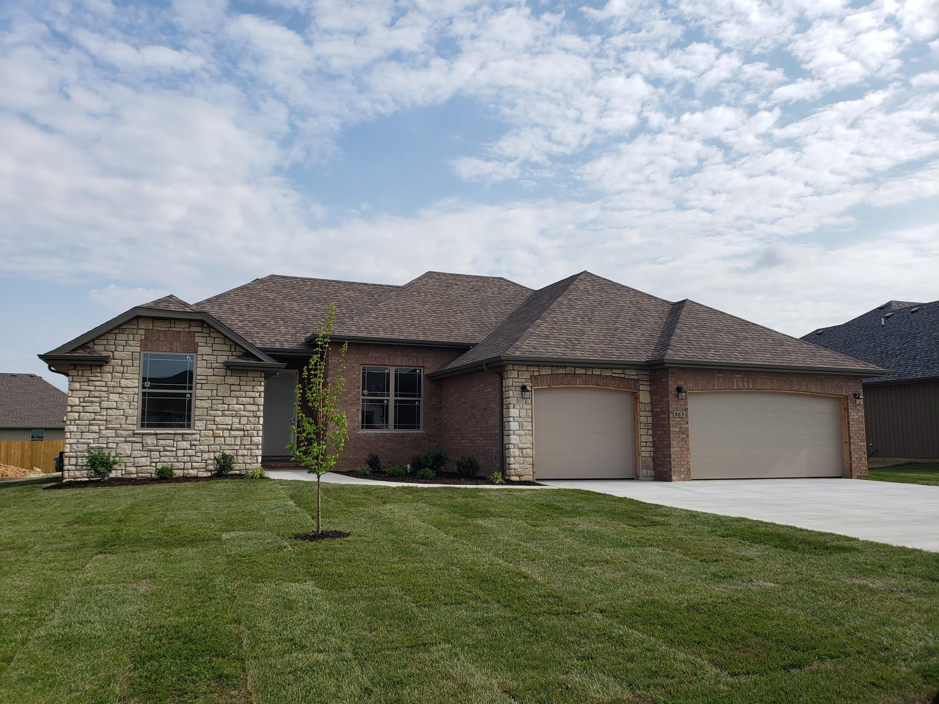 691 North Santa Monica Drive Nixa, MO 65714