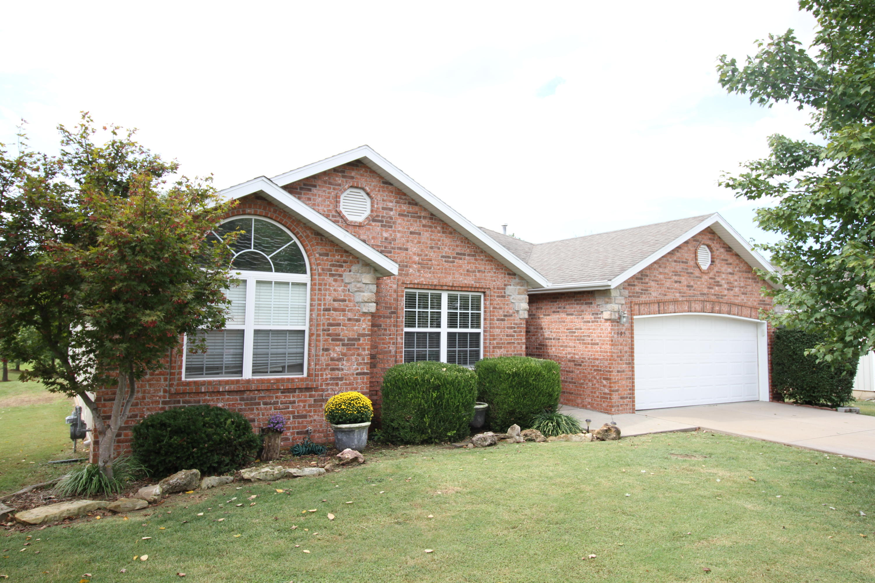 805 South Benson Place Nixa, MO 65714
