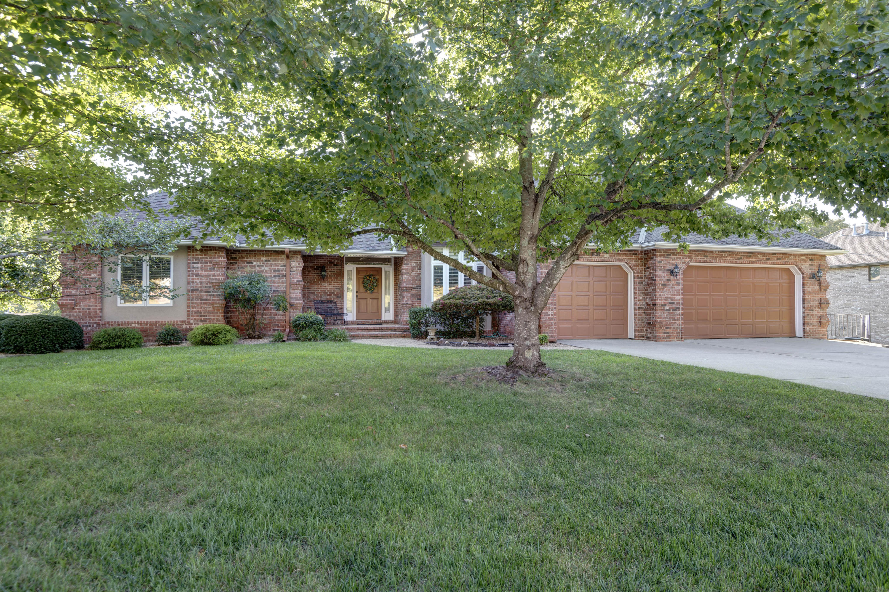 1940 South Brittany Place Springfield, MO 65809
