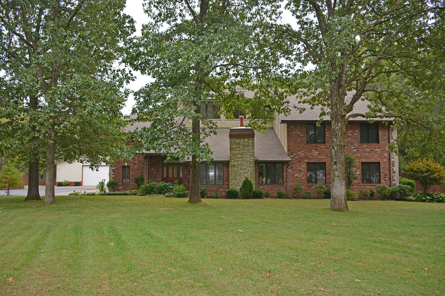 4252 East Farm Road Fair Grove, MO 65648