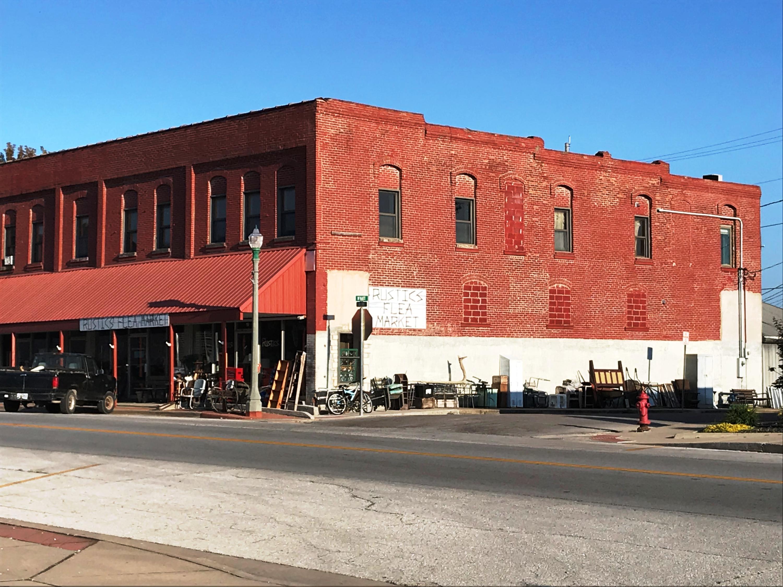 17 East Olive Street Aurora, MO 65605