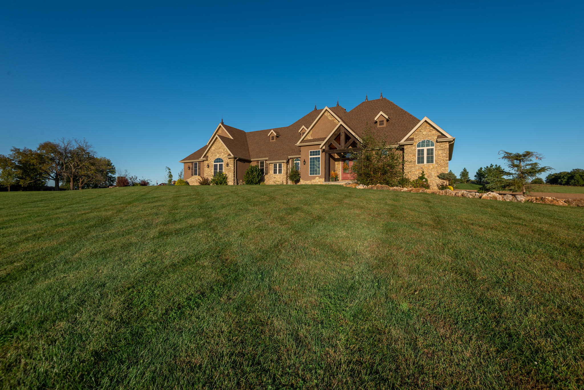 4610 North Farm Road Strafford, MO 65757