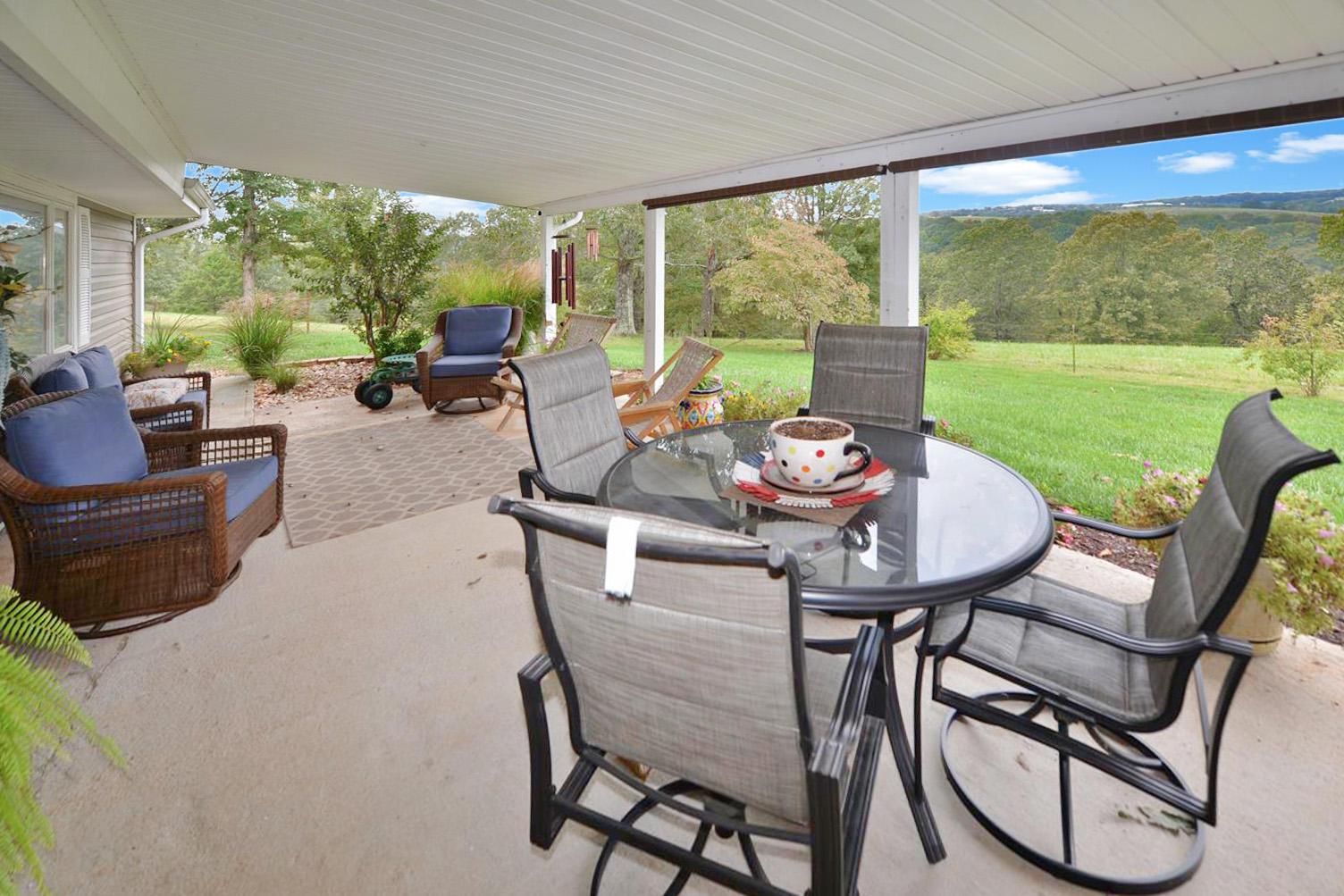 763 Dayton Road Reeds Spring, MO 65737