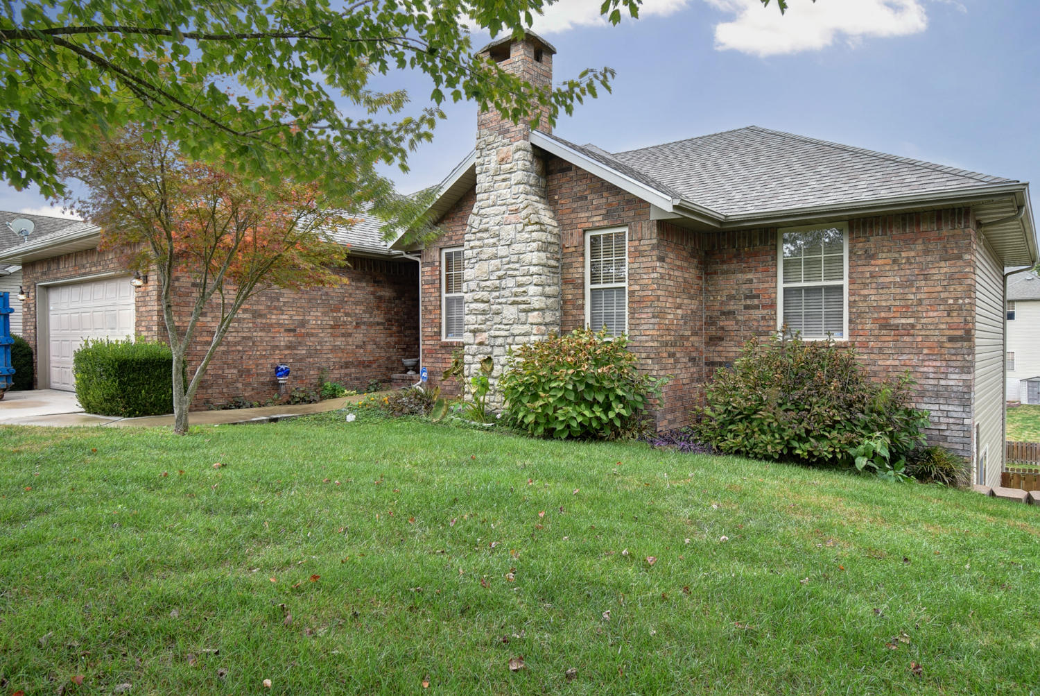 621 North Tucker Bay Circle Nixa, MO 65714