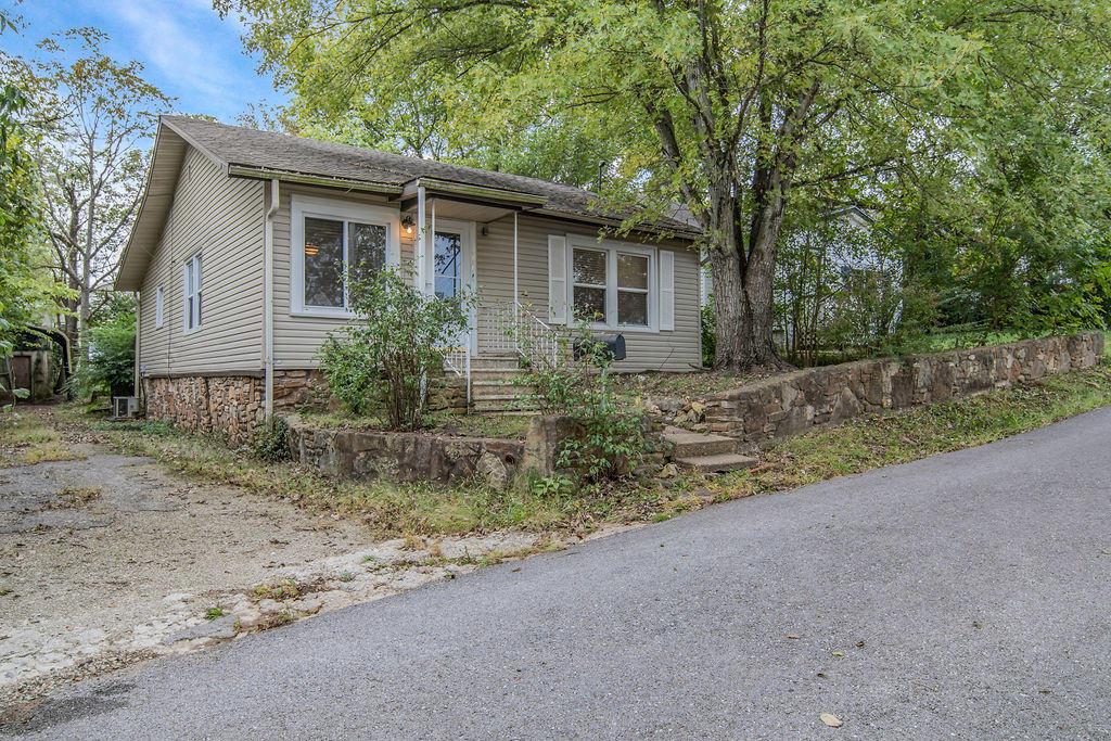 314 West Oklahoma Street Branson, MO 65616