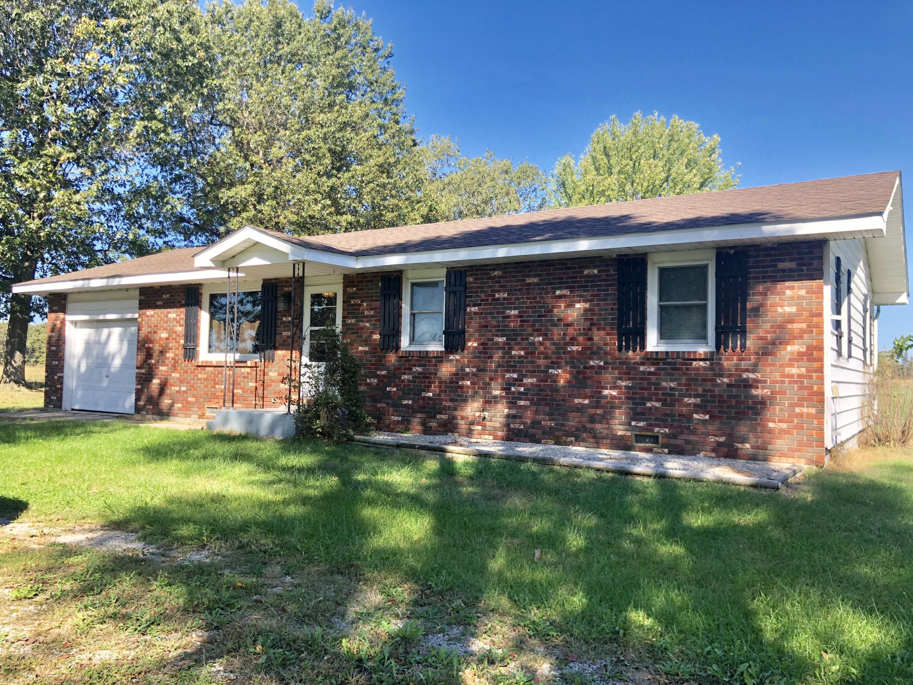 5781 Long State Hwy Y Conway, MO 65632