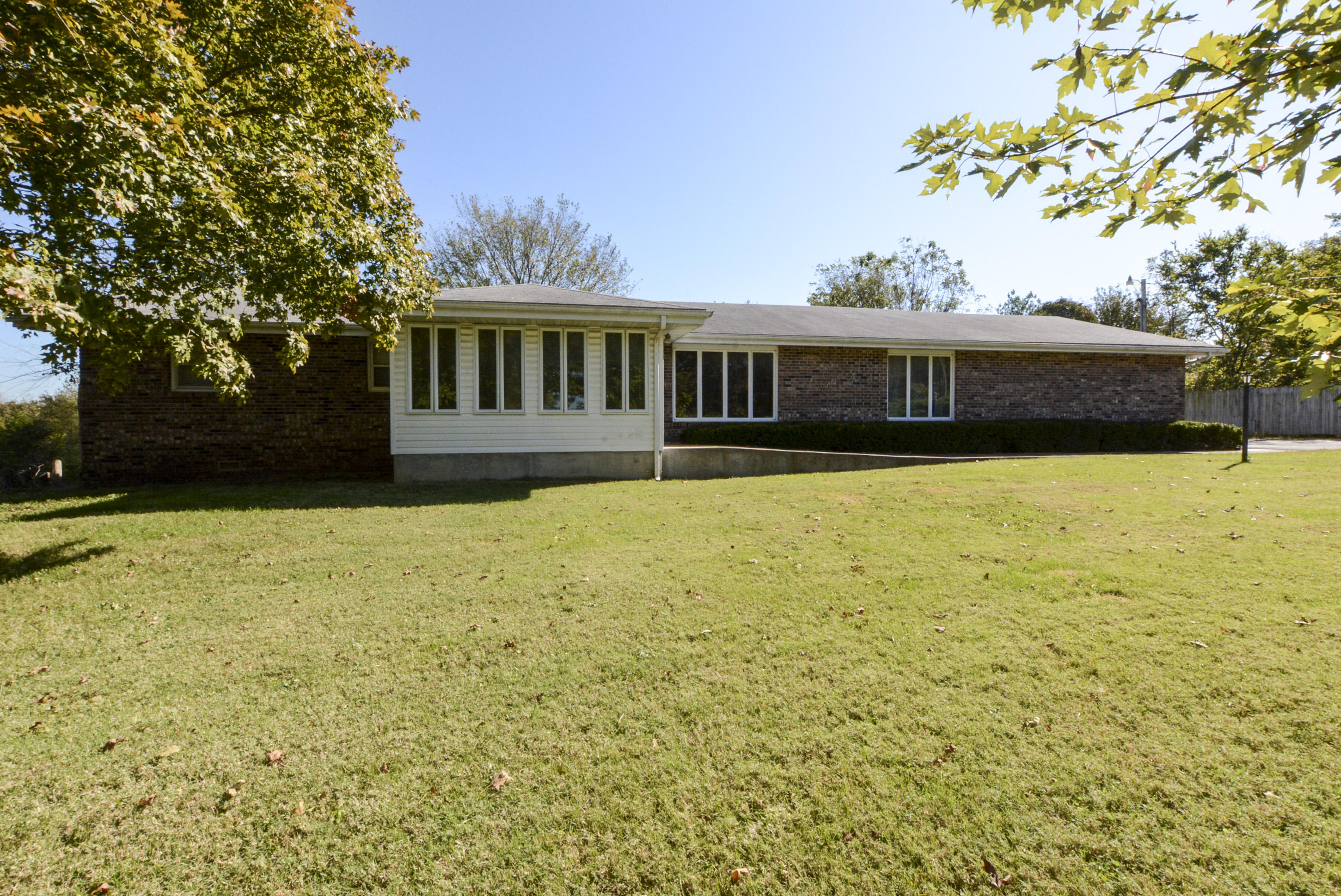 7129 North Farm Rd Willard, MO 65781