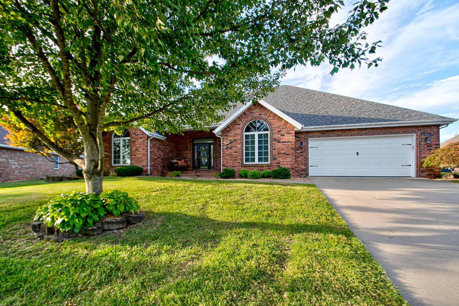 3718 East Dartmoor Court Springfield, MO 65802