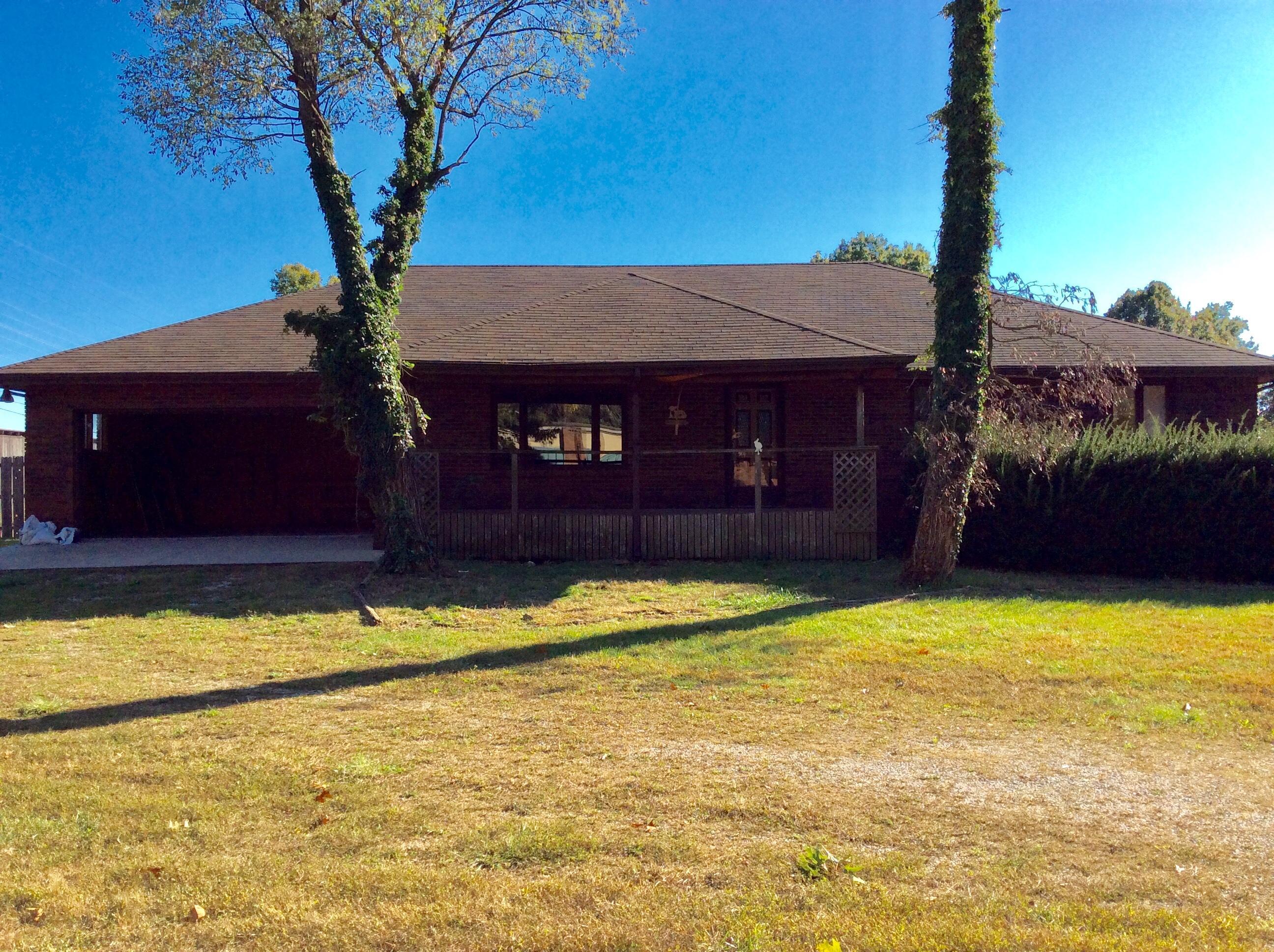 124 West Cedar Drive Nixa, MO 65714