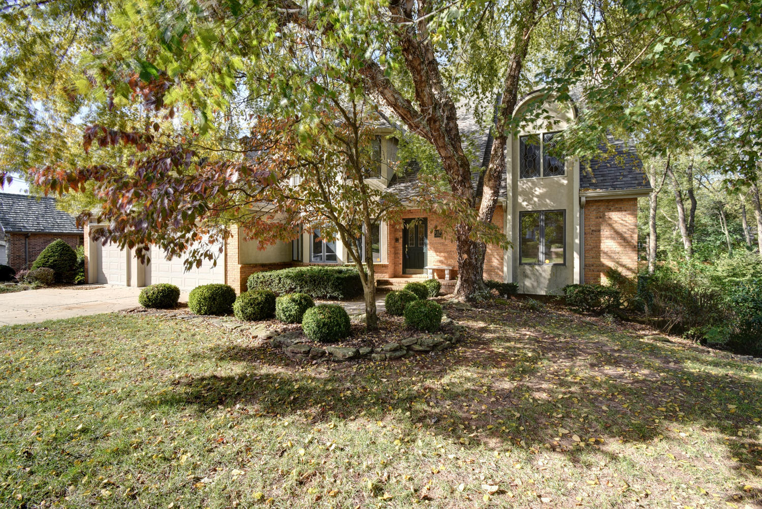 5137 South Castlewood Drive Springfield, MO 65804