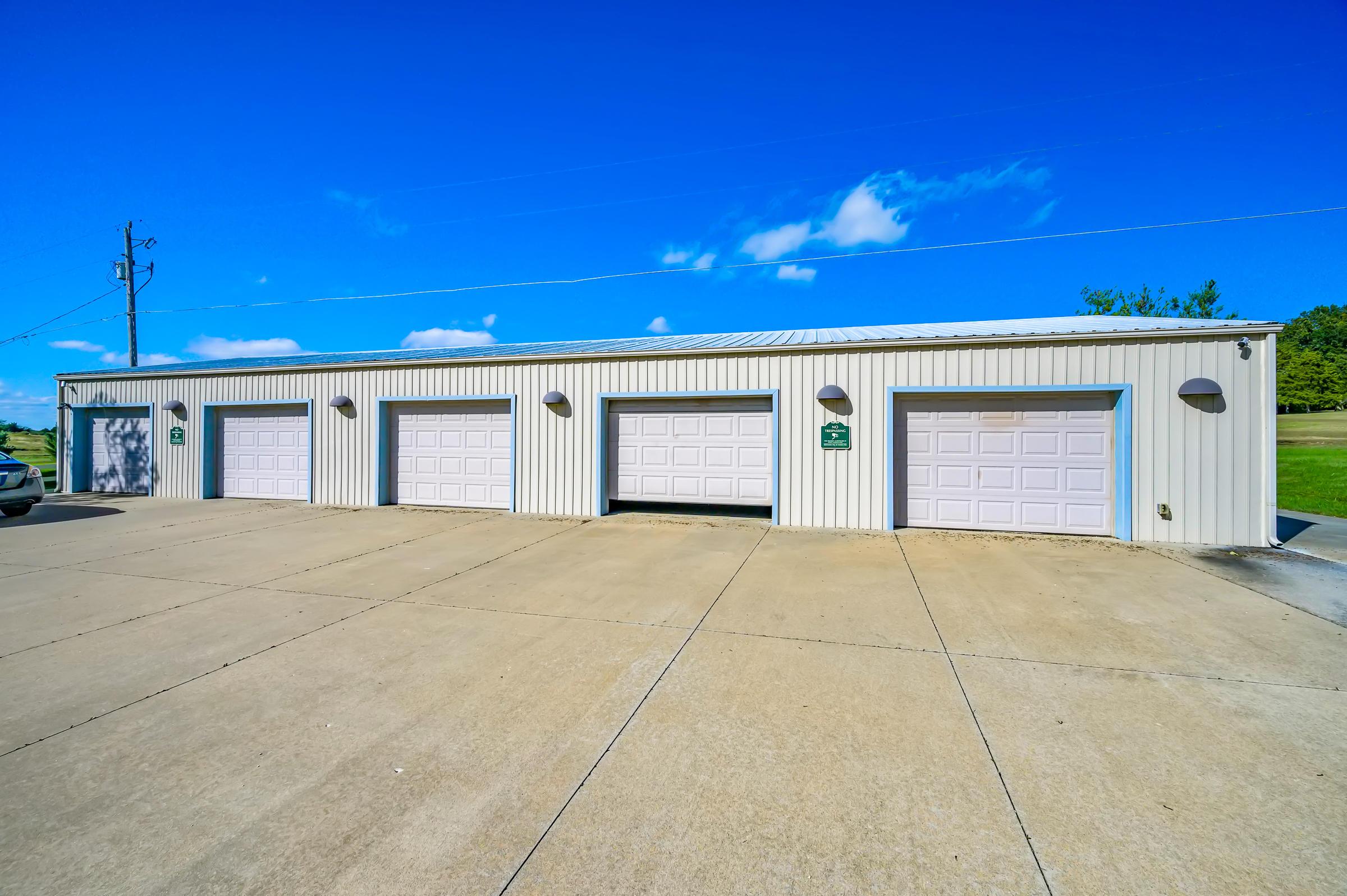 5725 East Farm Rd. Rogersville, MO 65742