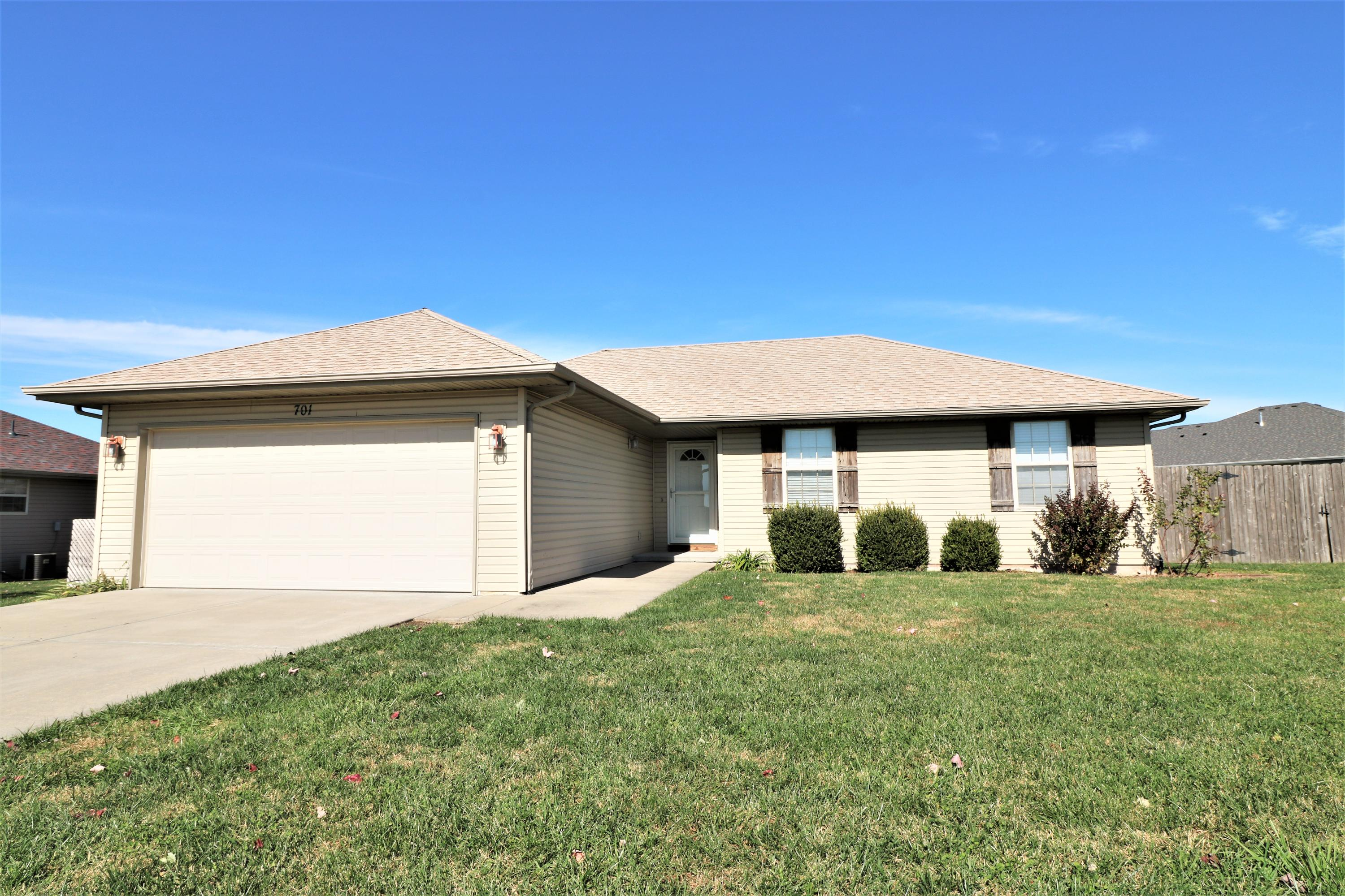 701 Osage Street Clever, MO 65631