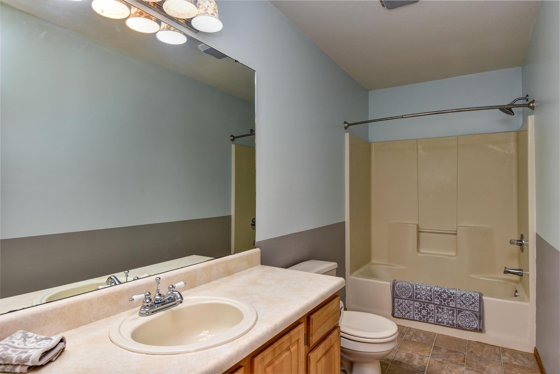 967 South Creekside Place Nixa, MO 65714