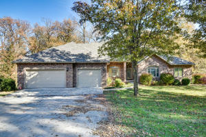 1926 South Berkshire Avenue, Springfield, MO 65809