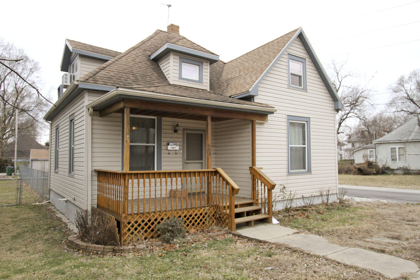 608 West Division Street Springfield, MO 65803