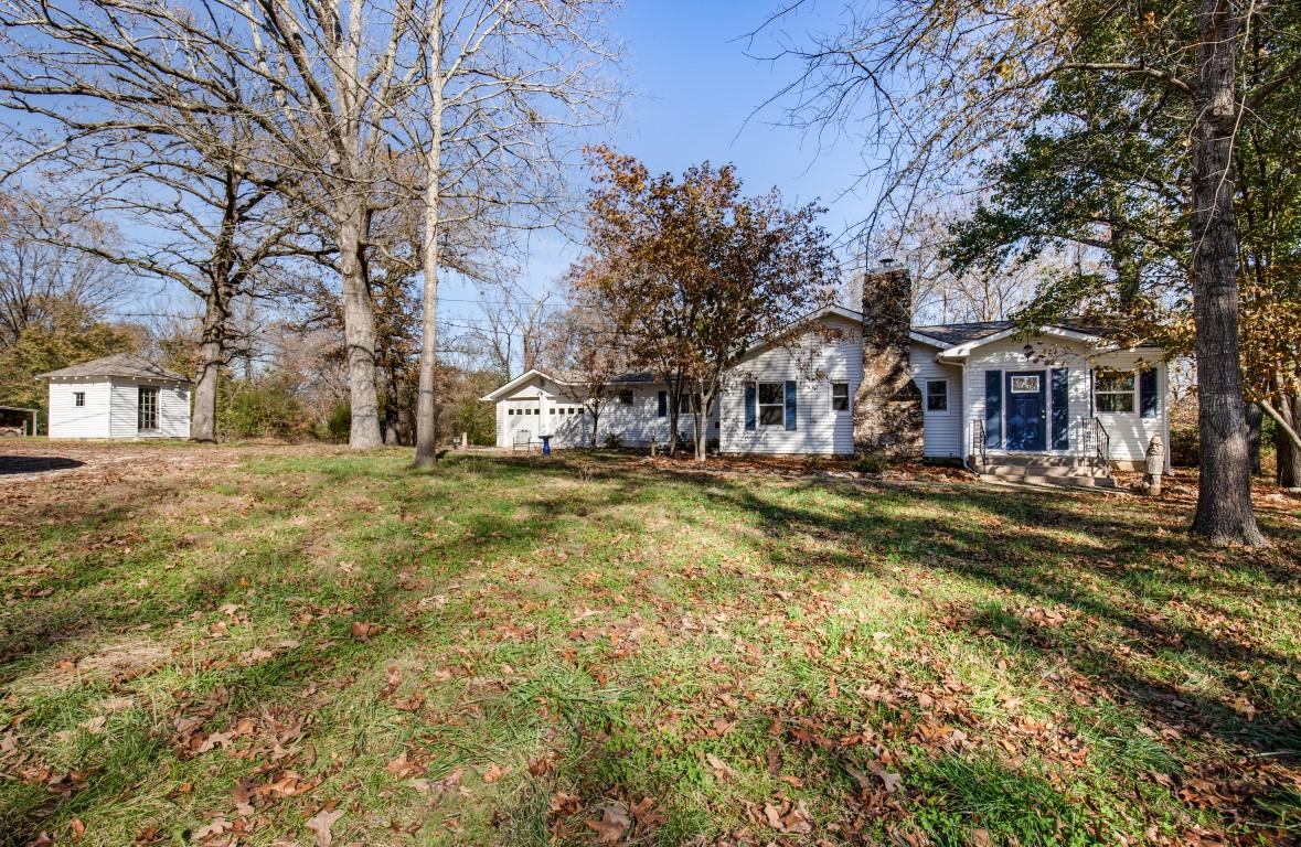 235 Lakeview Drive Rockaway Beach, MO 65740