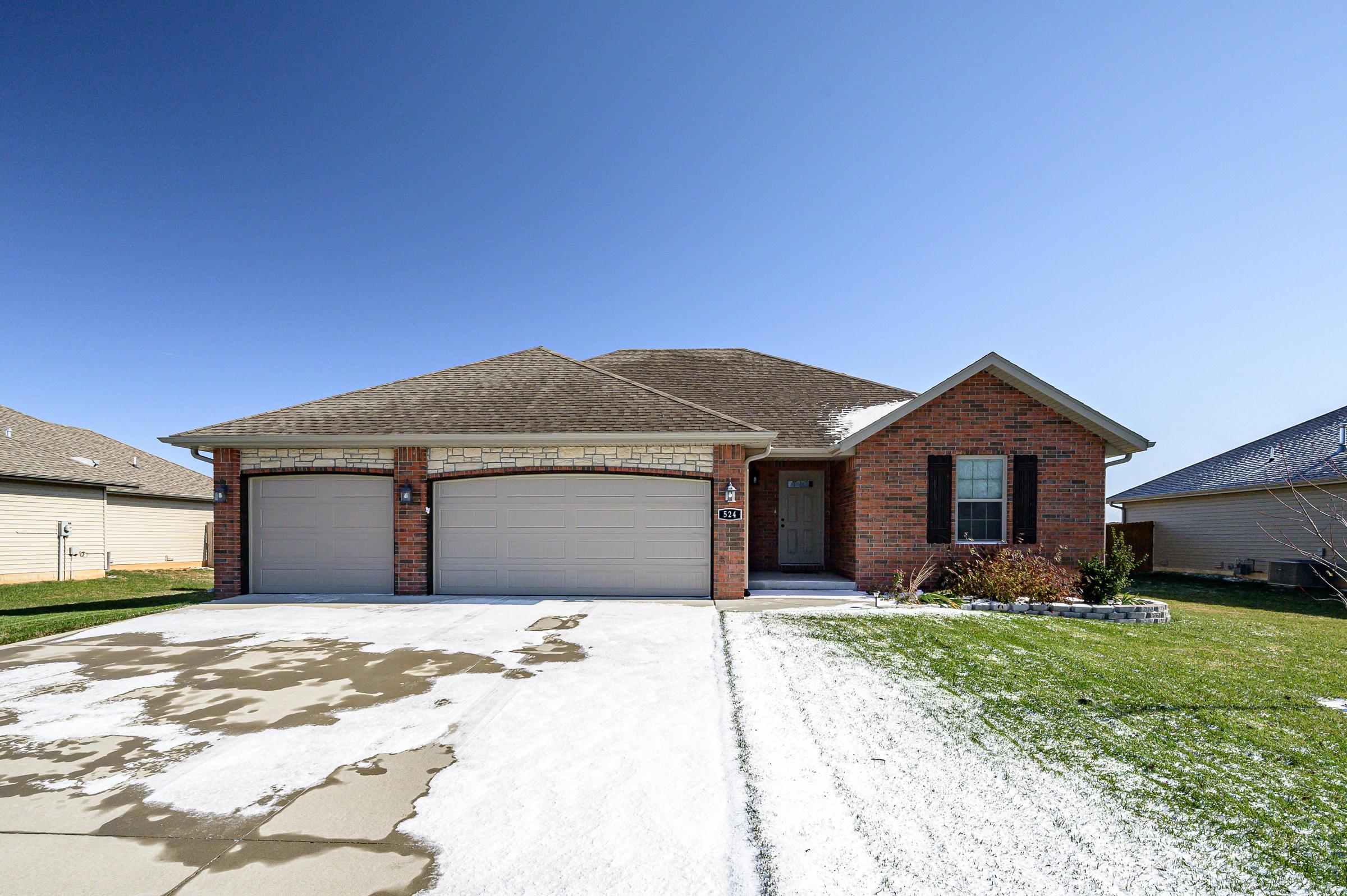 524 Patriot Place Drive Rogersville, MO 65742