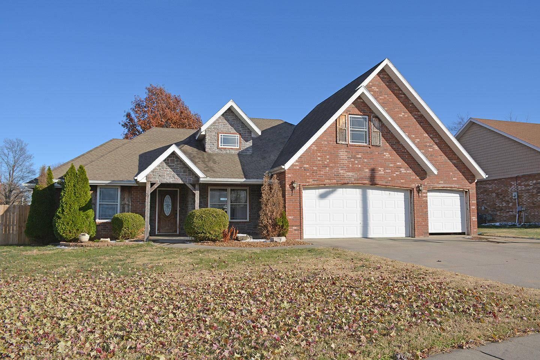 86 West Holly Ridge Road Willard, MO 65781