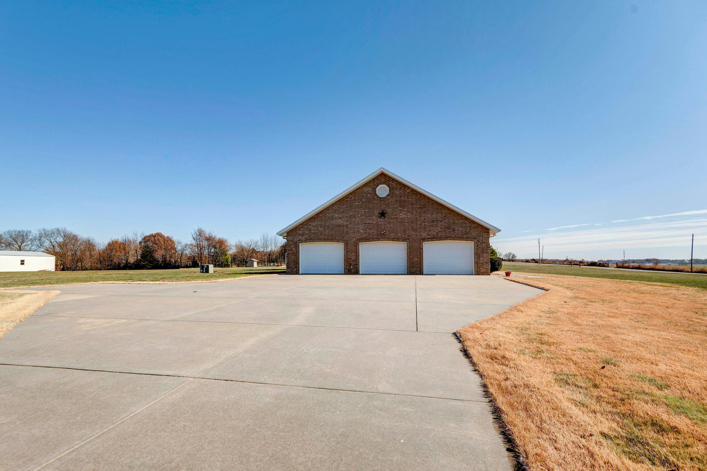 6580 South Callie Road Rogersville, MO 65742