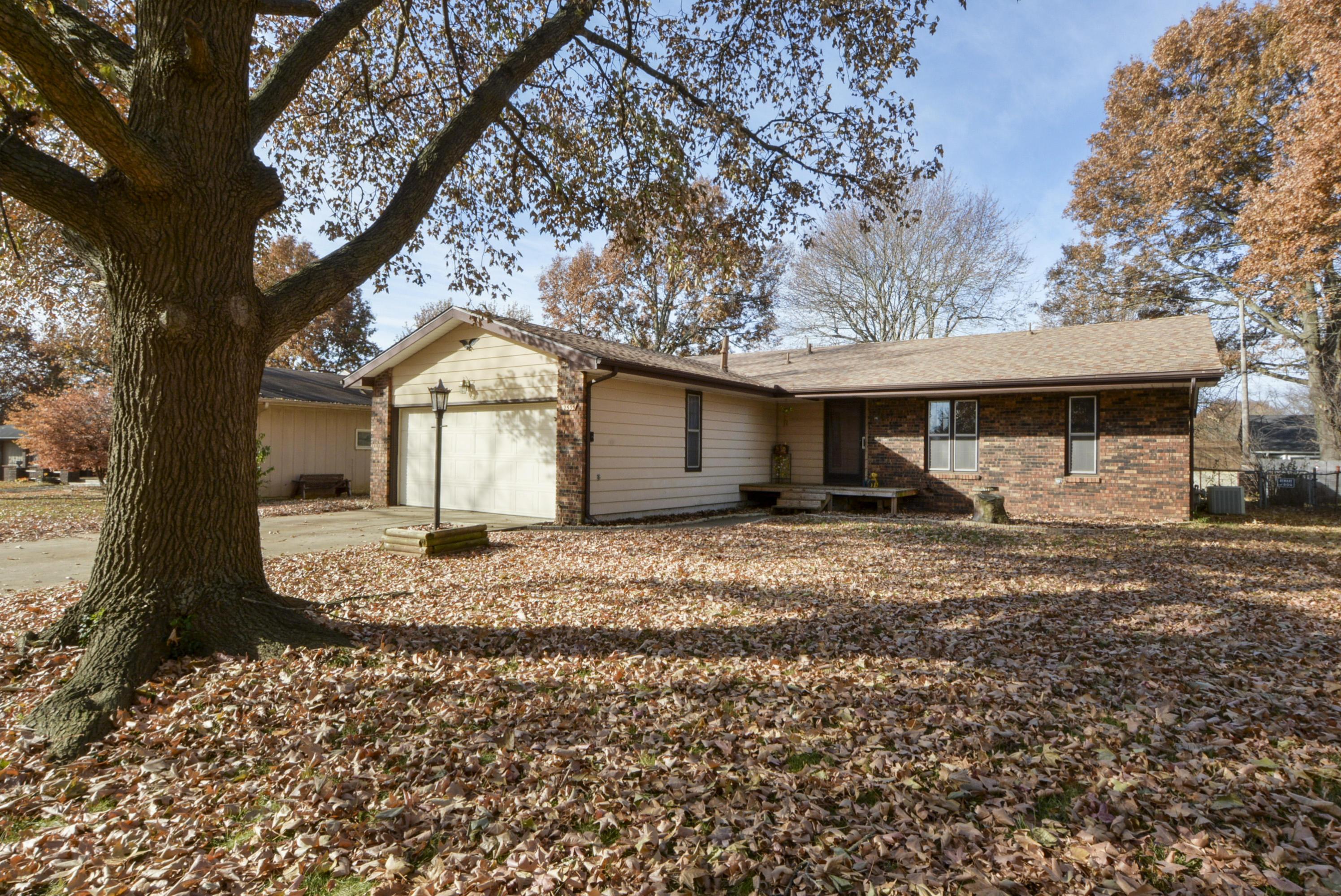 2535 South Collinson Avenue Springfield, MO 65804