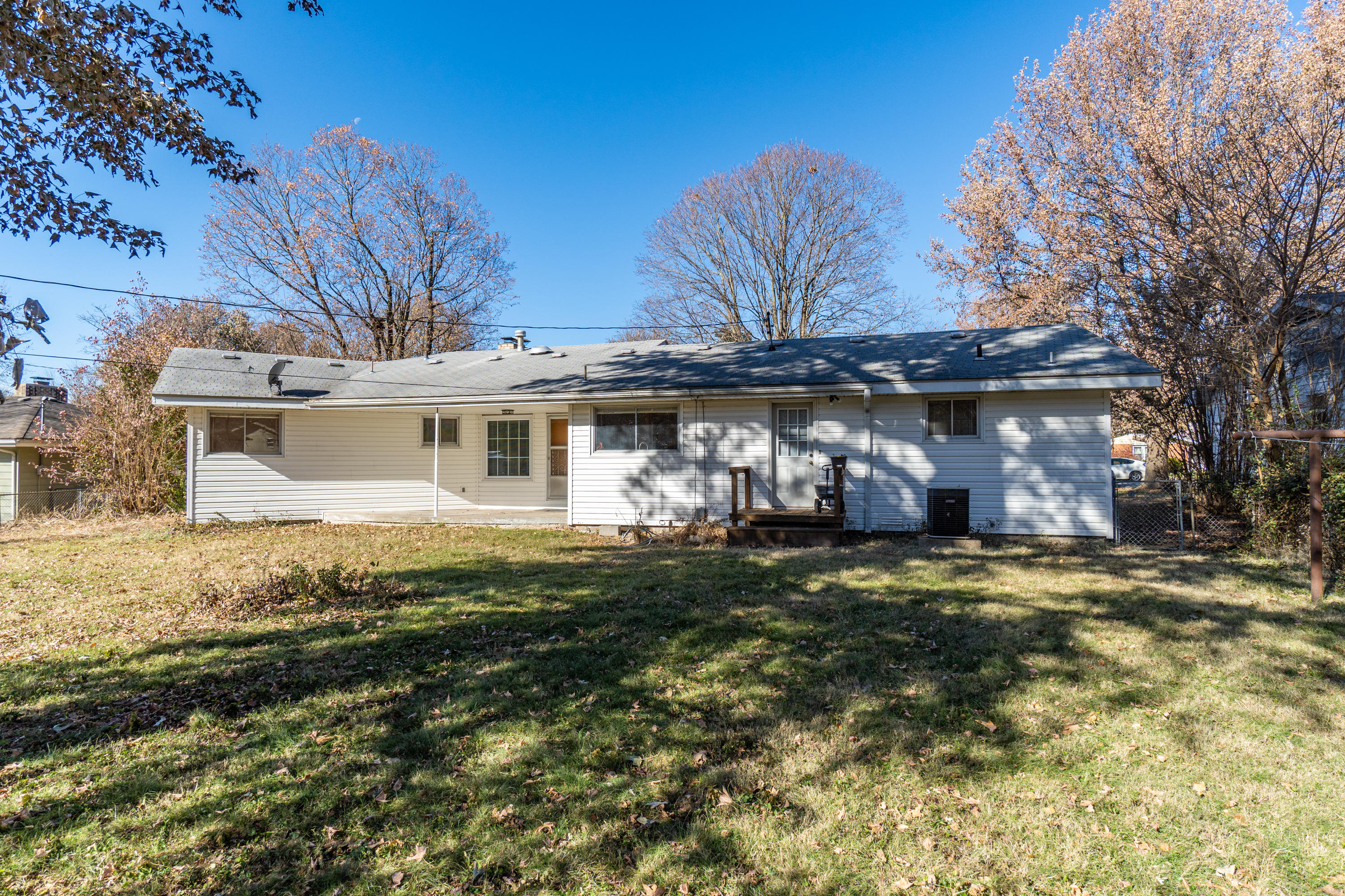 724 North Oak Grove Avenue Springfield, MO 65802