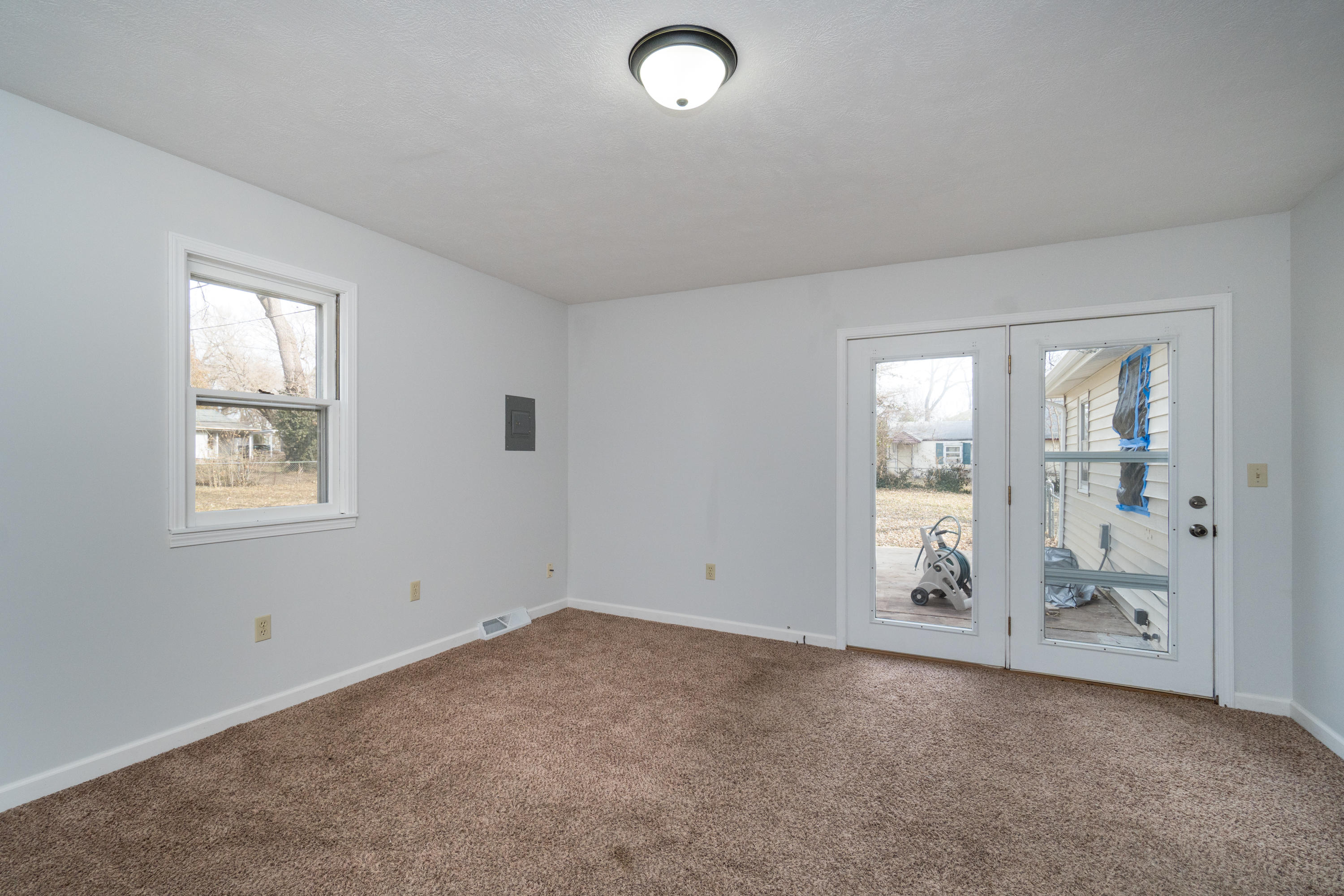 3035 West College Street Springfield, MO 65802
