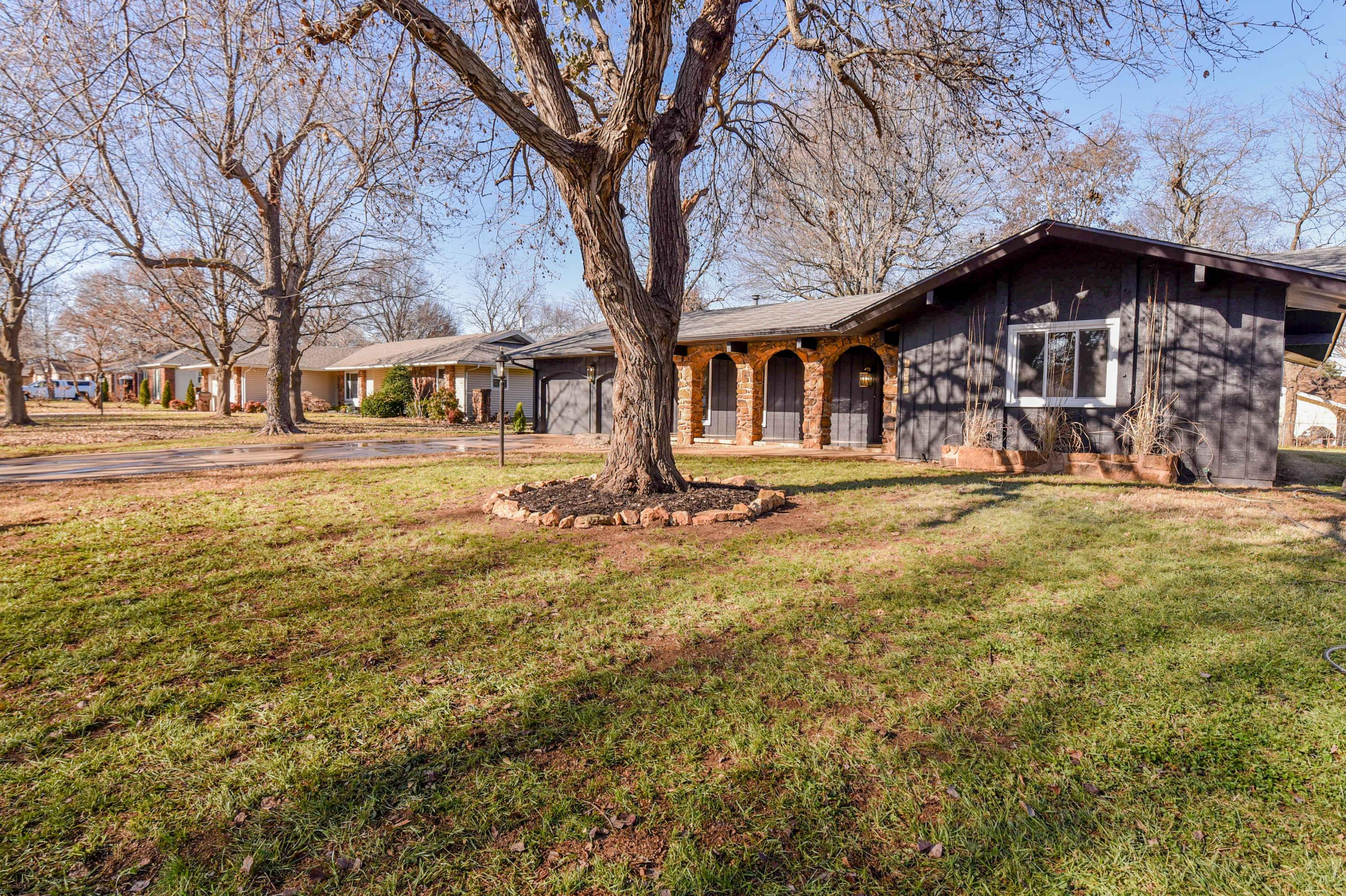 1867 East Swallow Street Springfield, MO 65804