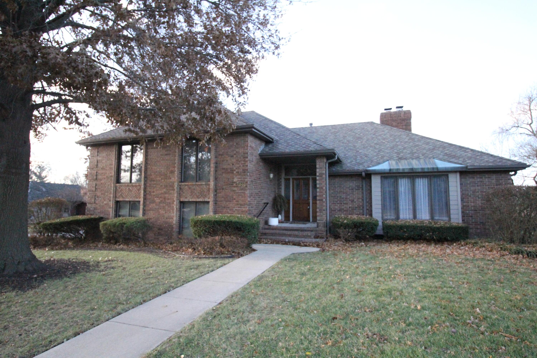 1944 East Lakewood Street Springfield, MO 65804
