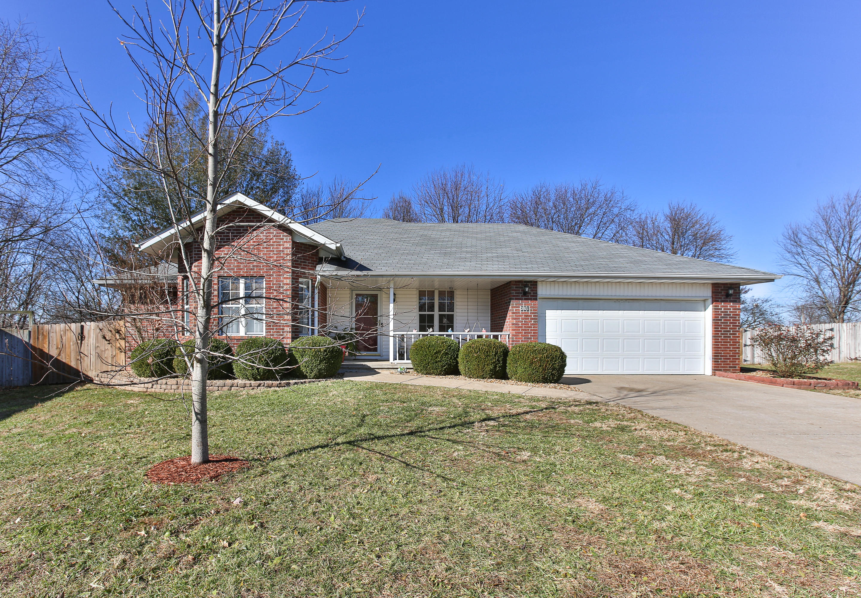 251 South Holloway Court Springfield, MO 65802