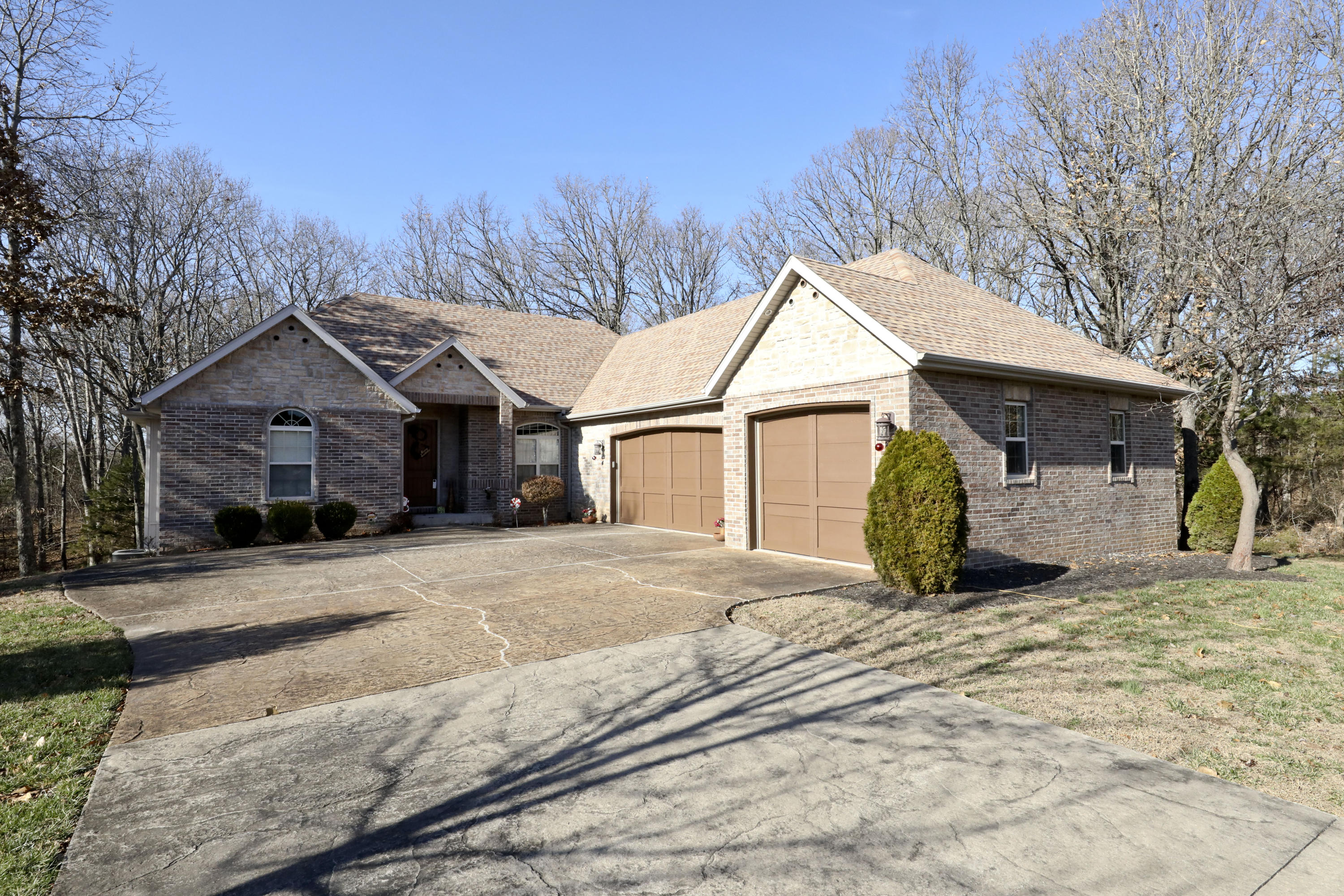 189 Woodfield Drive Highlandville, MO 65669