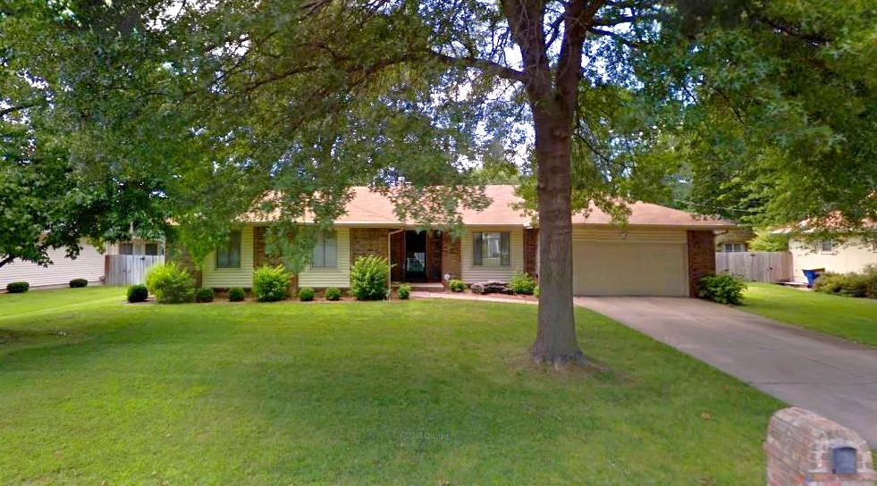 1667 East Buena Vista Street Springfield, MO 65804