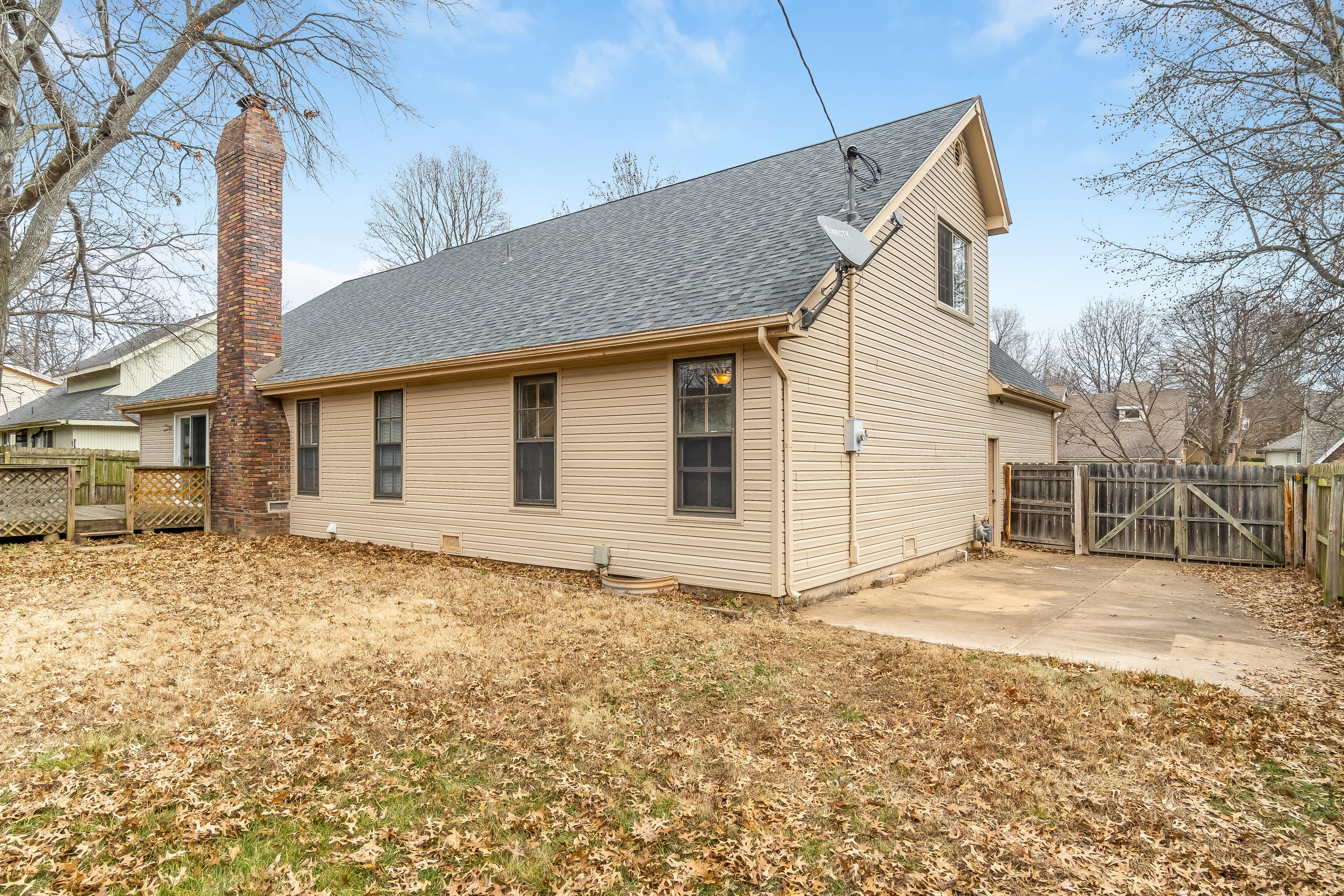 5547 South Elmira Avenue Springfield, MO 65810