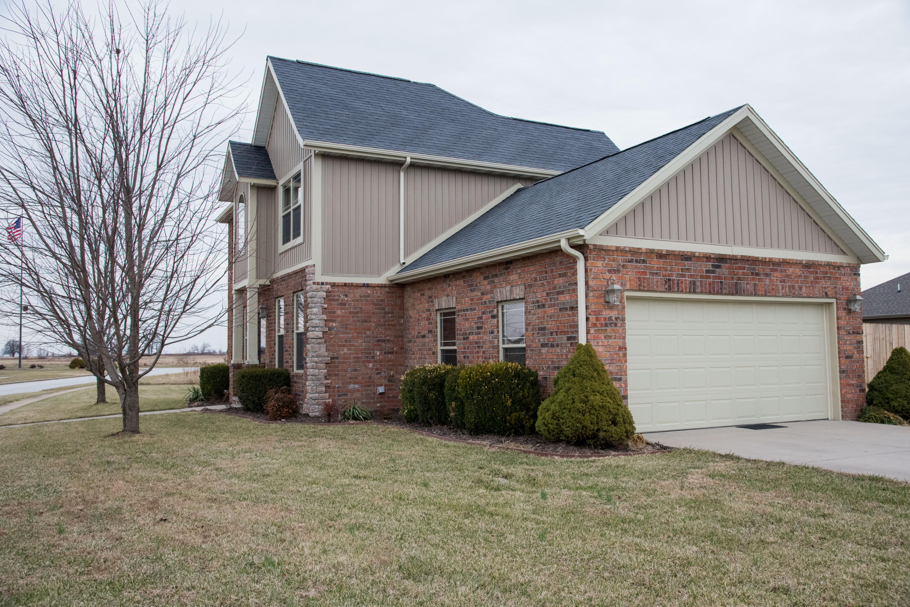 500 Patriot Place Drive Rogersville, MO 65742