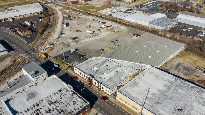 1325 East Trafficway Street Springfield, MO 65802