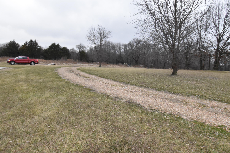 2917 Farm Road Seligman, MO 65745