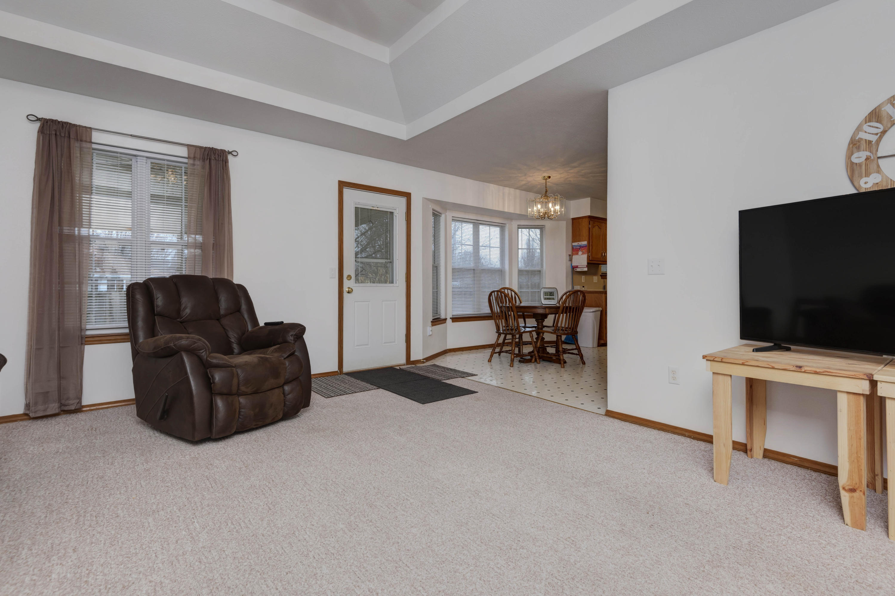 335 South Lulwood Avenue Springfield, MO 65802