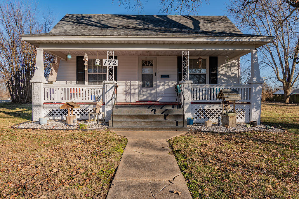 172 North Avenue Sparta, MO 65753
