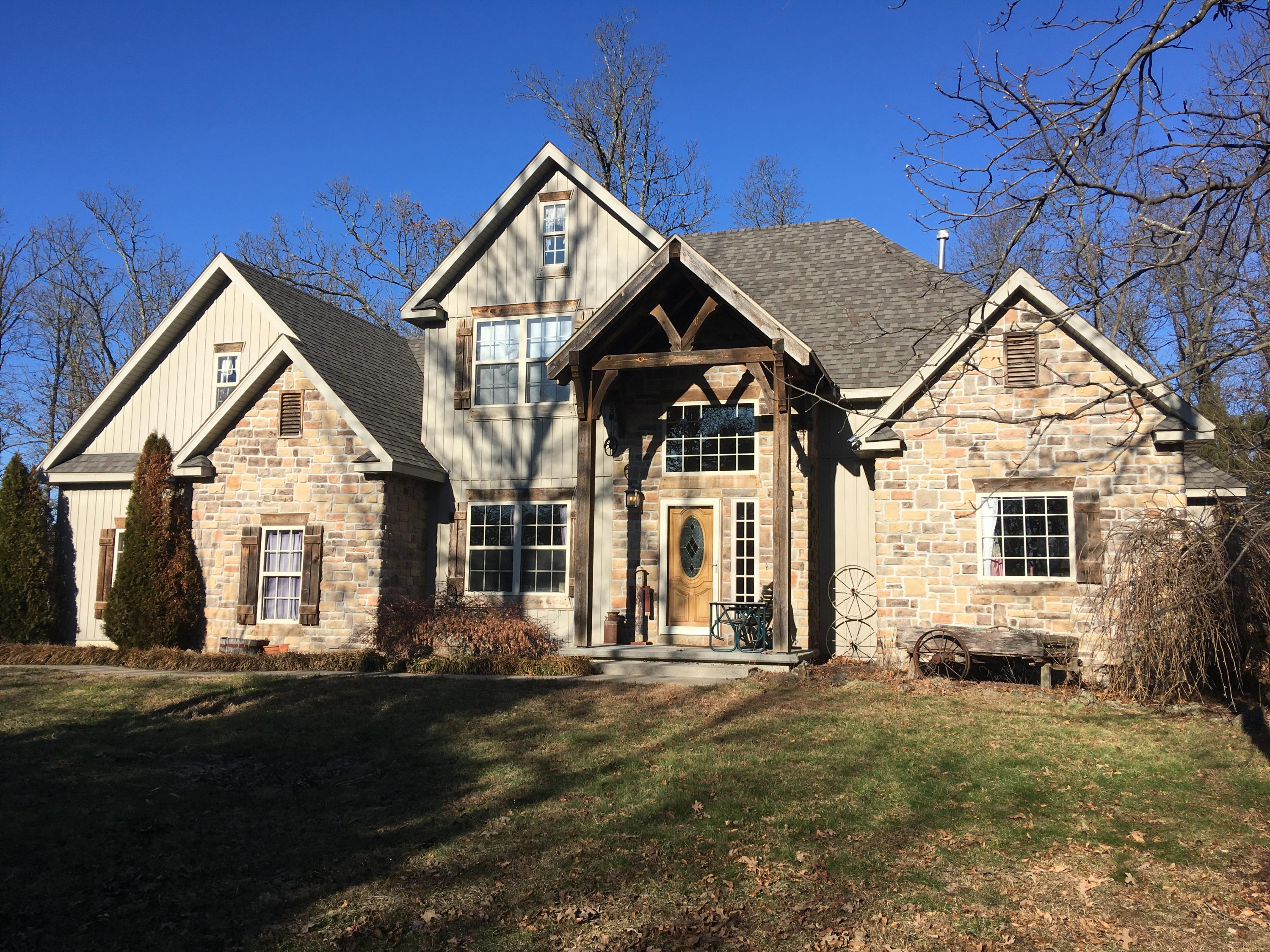 4504 North Conestoga Lane Springfield, MO 65803