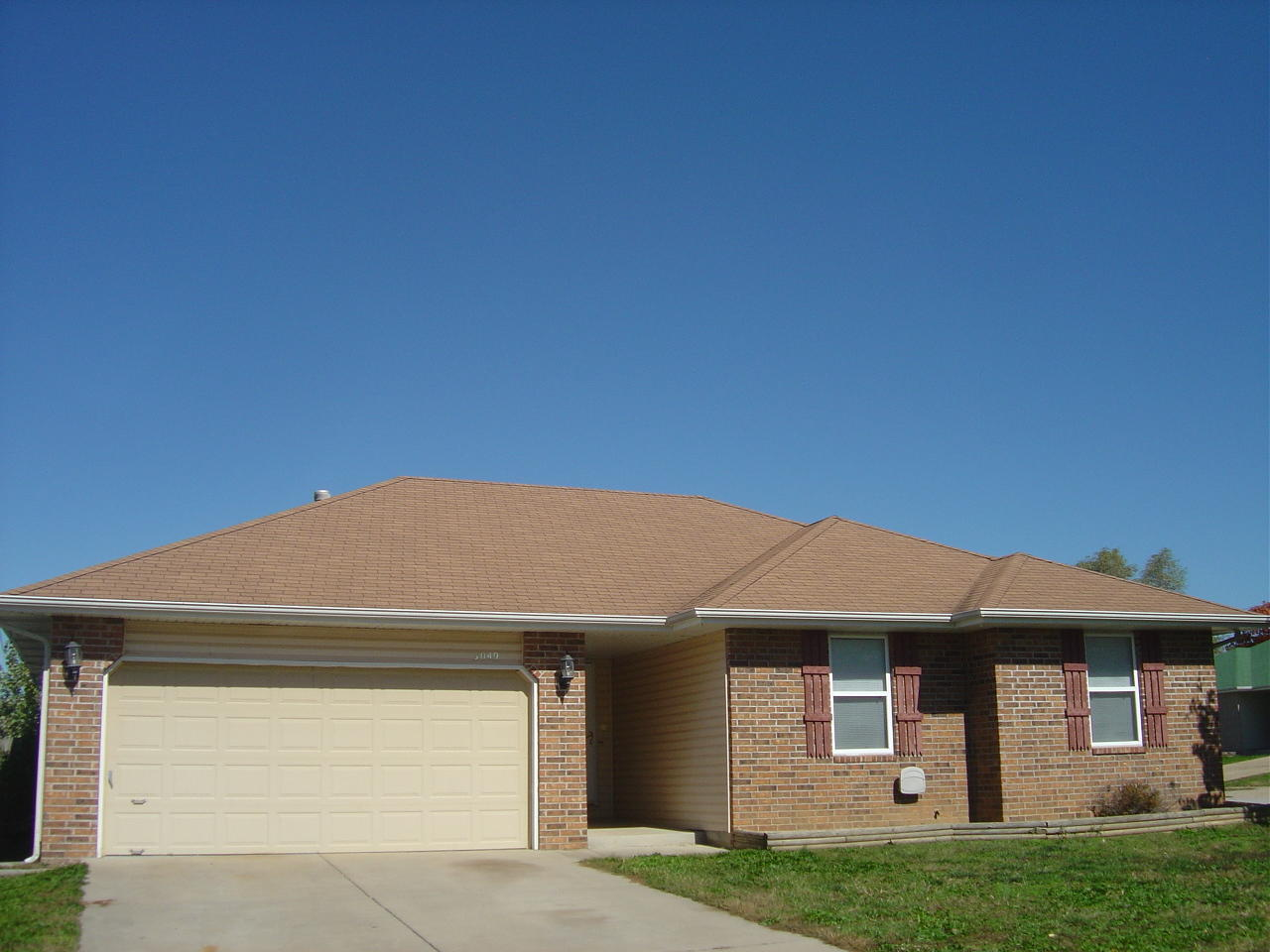 3049 West Sheffield Street Springfield, MO 65802