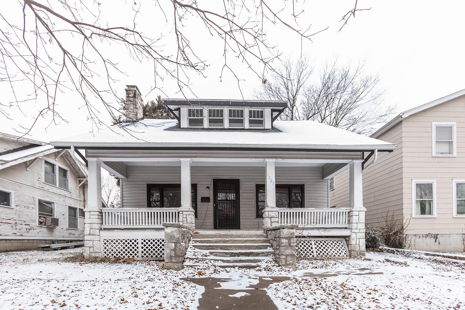 1227 North Clay Avenue Springfield, MO 65802