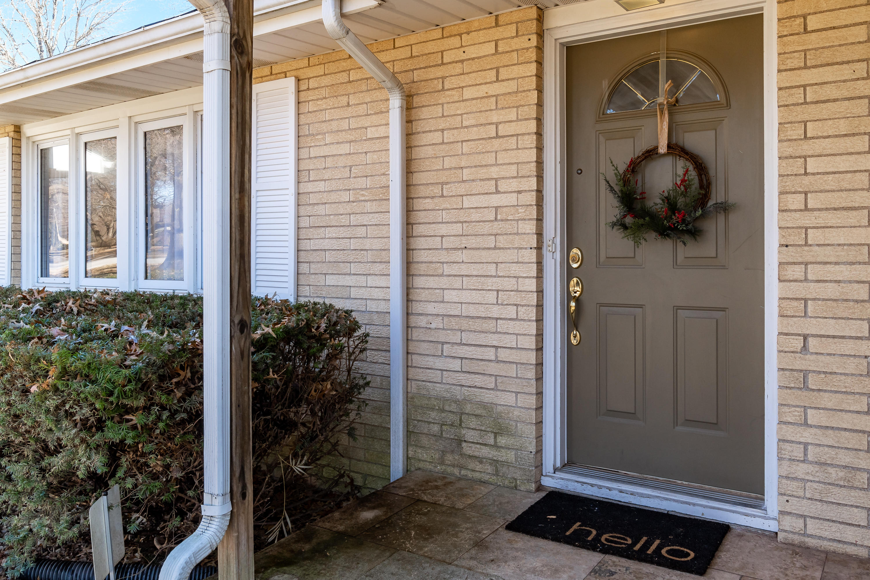 2014 South Meadowview Avenue Springfield, MO 65804