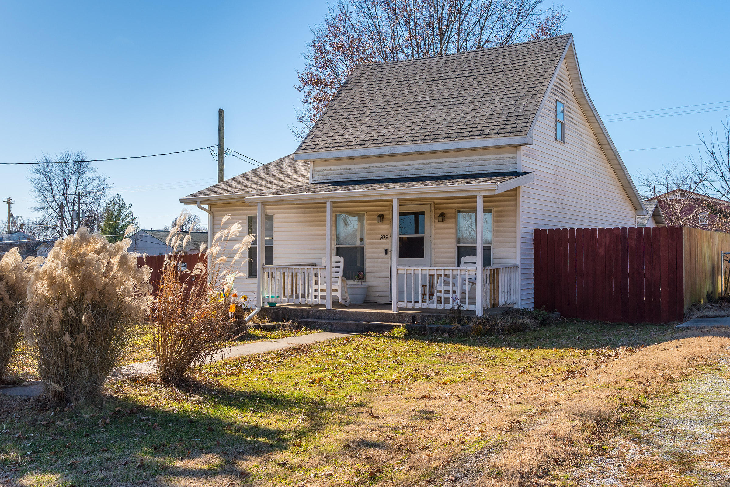 209 South Kennedy Avenue Clever, MO 65631