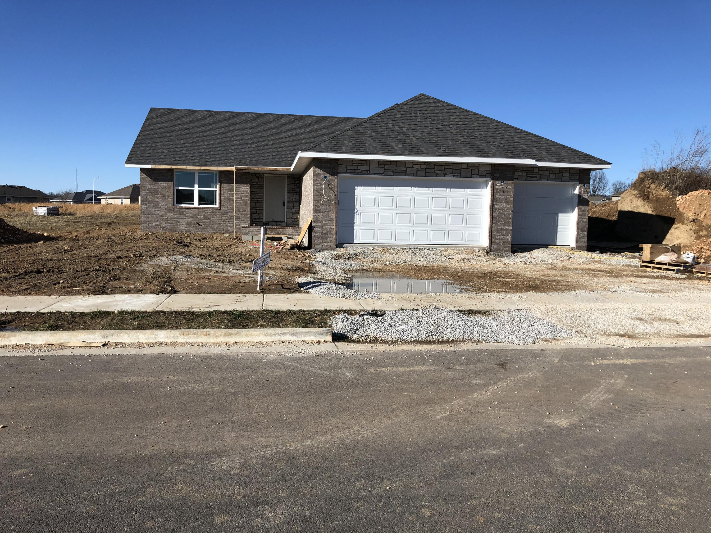 471 Little Avenue Clever, MO 65631